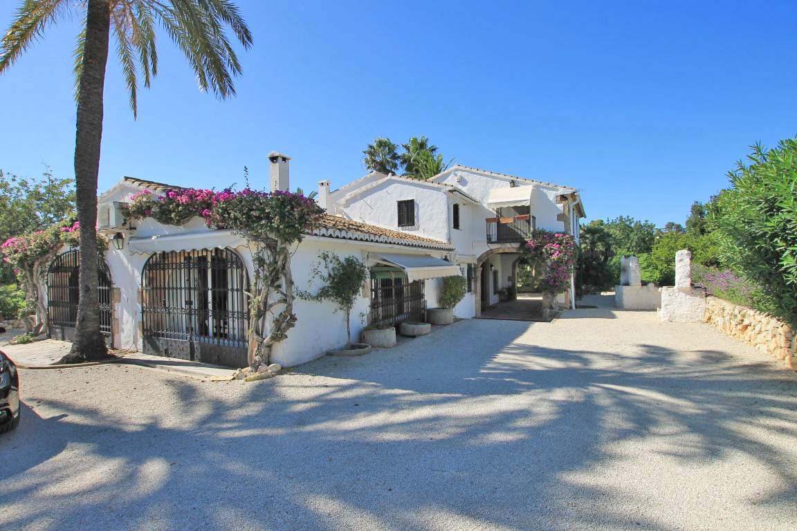 4 Bedroom Finca / Country House in Javea
