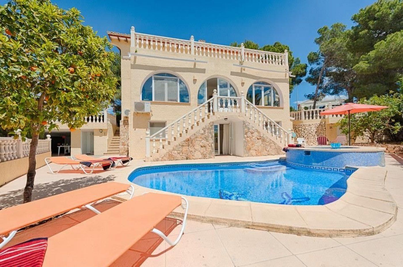 6 Bedroom Villa in Benissa Costa