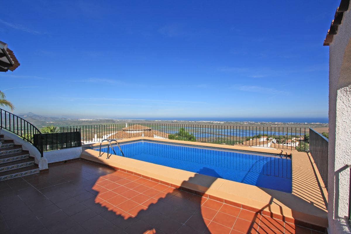 4 Bedroom Villa in Pego