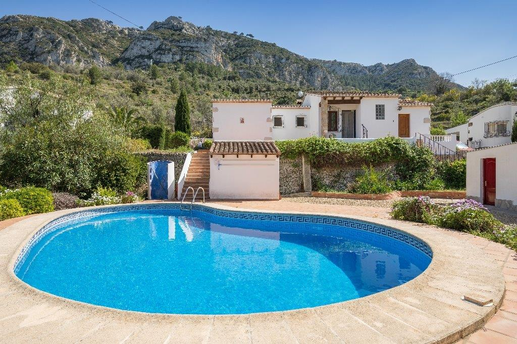 3 Bedroom Finca / Country House in Pedreguer
