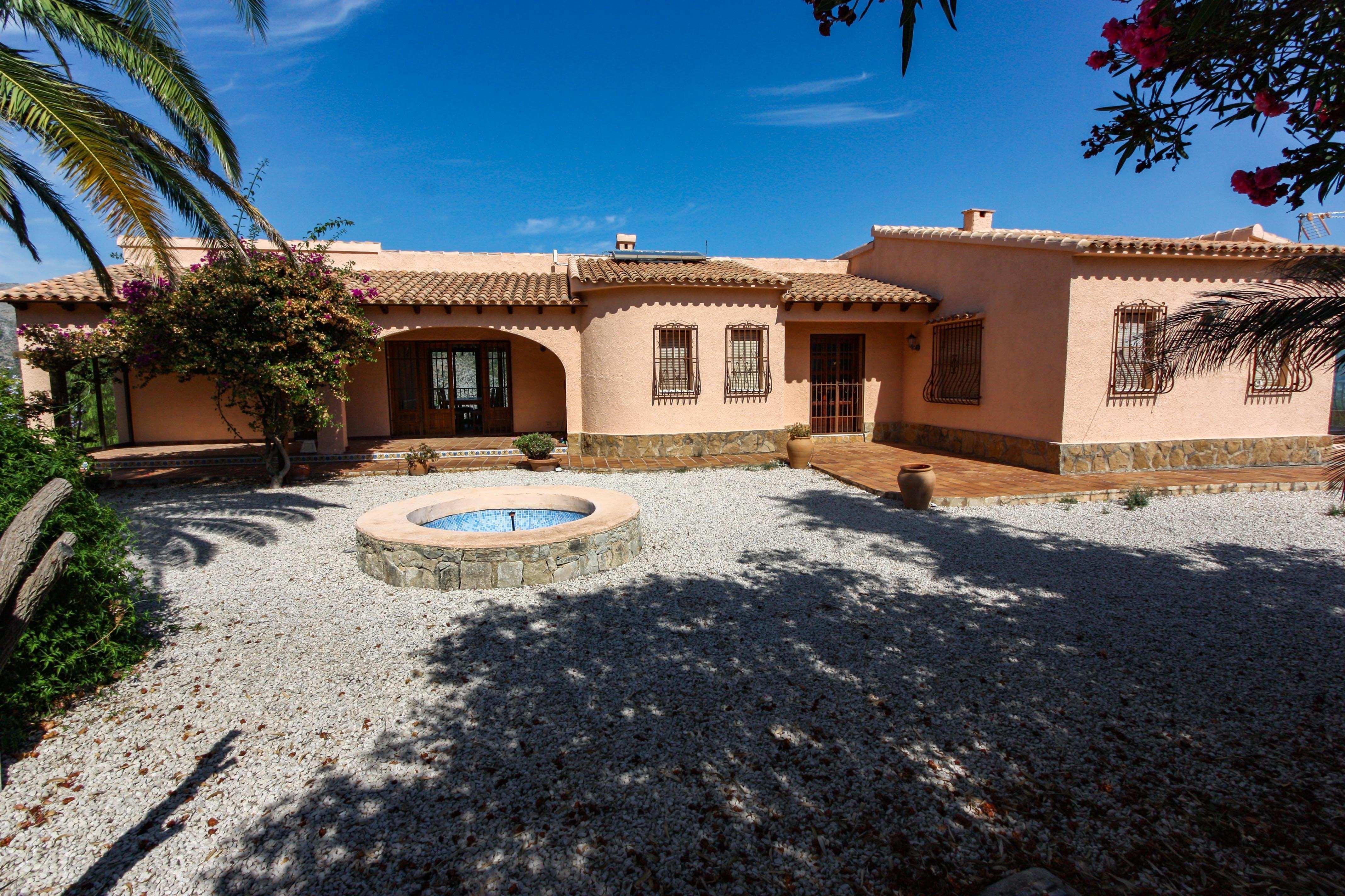 6 Bedroom Villa in Jalon