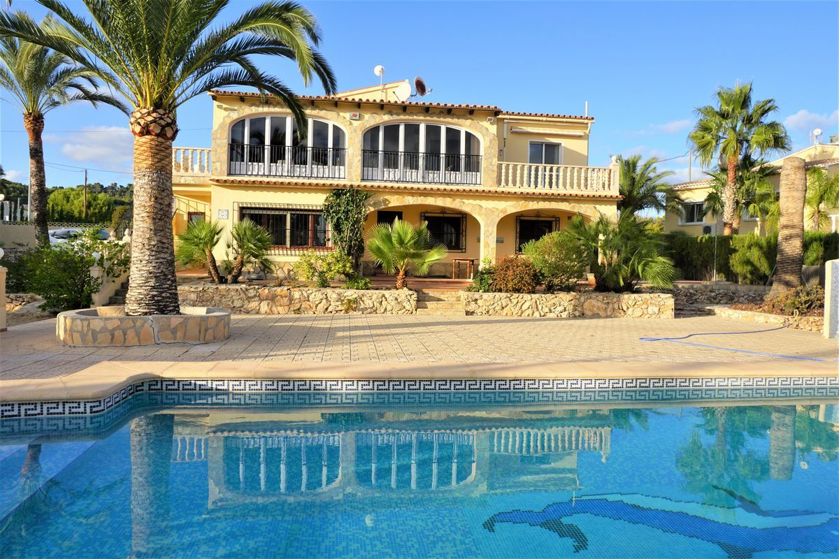 4 Bedroom Finca / Country House in Calpe
