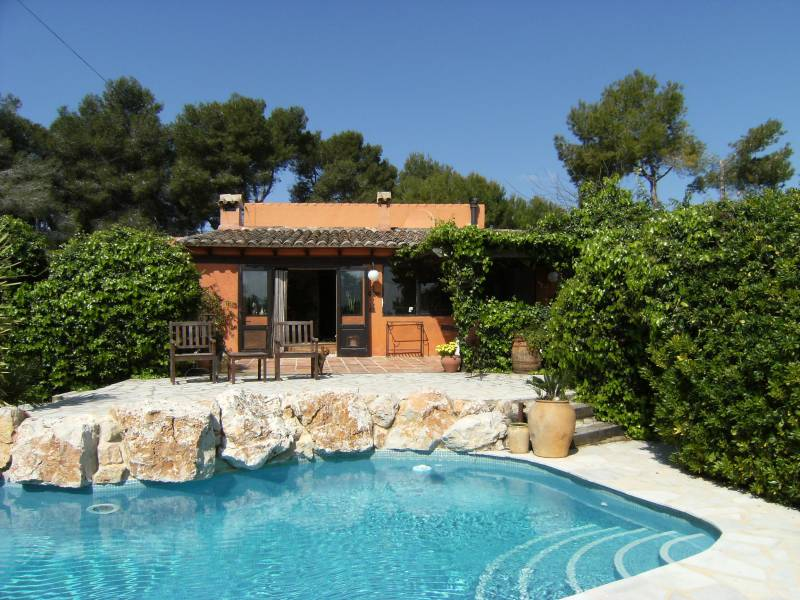 2 Bedroom Finca / Country House in Moraira