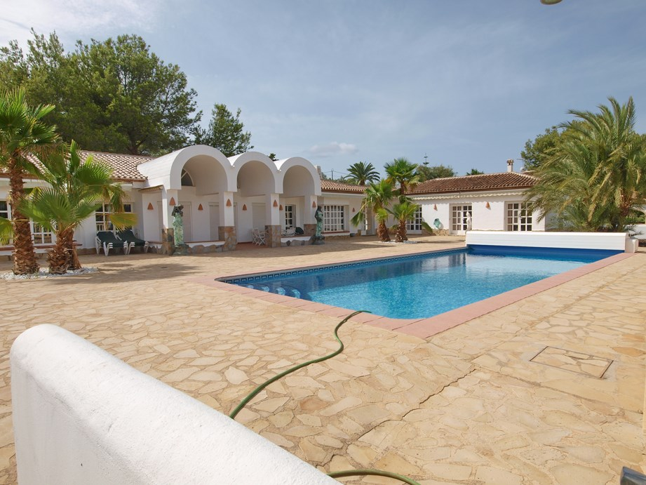 8 Bedroom Villa in Javea