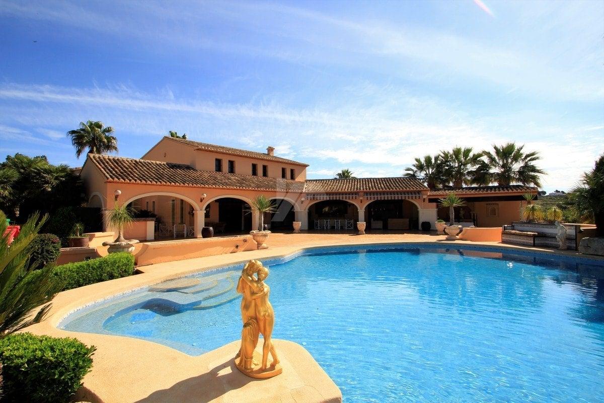 4 Bedroom Finca / Country House in Benissa Costa