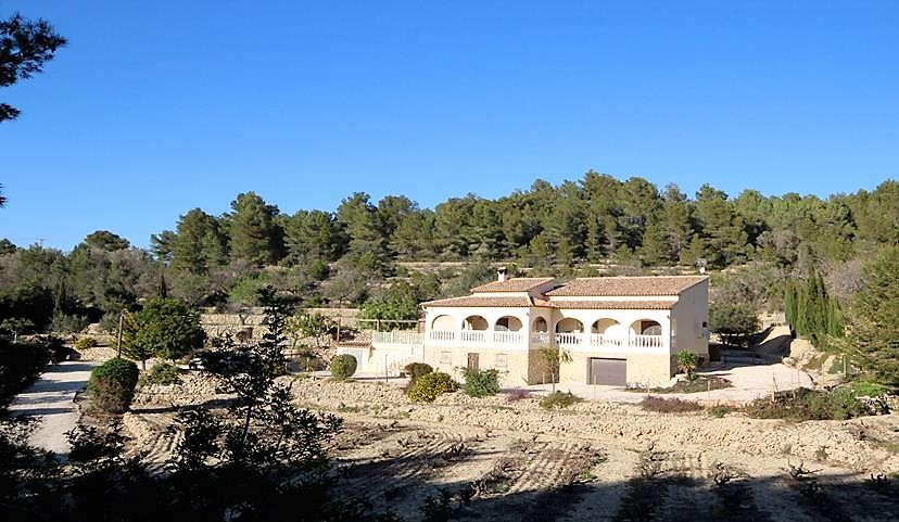 4 Bedroom Finca / Country House in Jalon