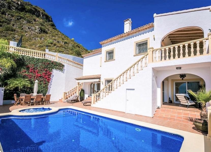 5 Bedroom Villa in Pego