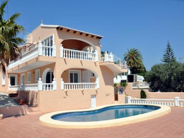 6 Bedroom Villa in Moraira