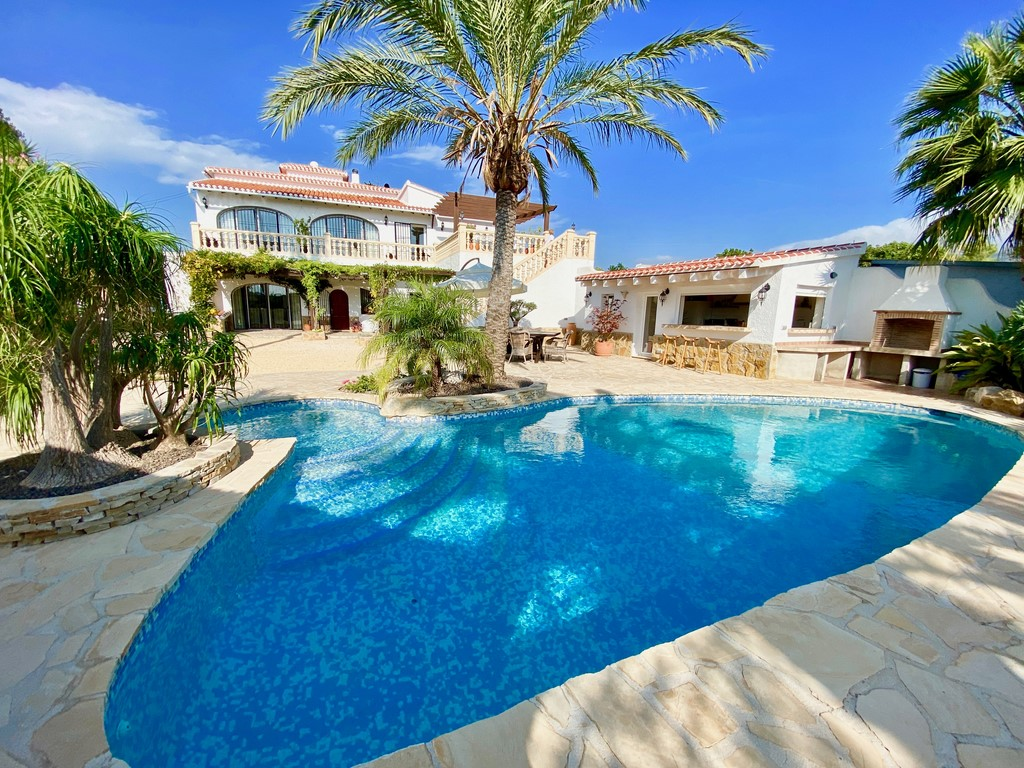 6 Bedroom Finca / Country House in Javea