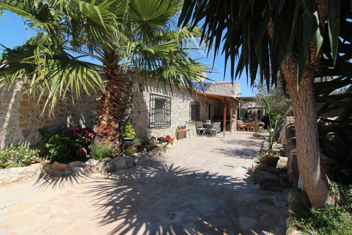2 Bedroom Finca / Country House in Javea