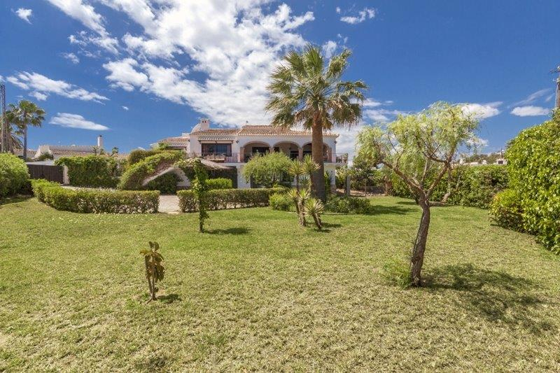 9 Bedroom Villa in Javea