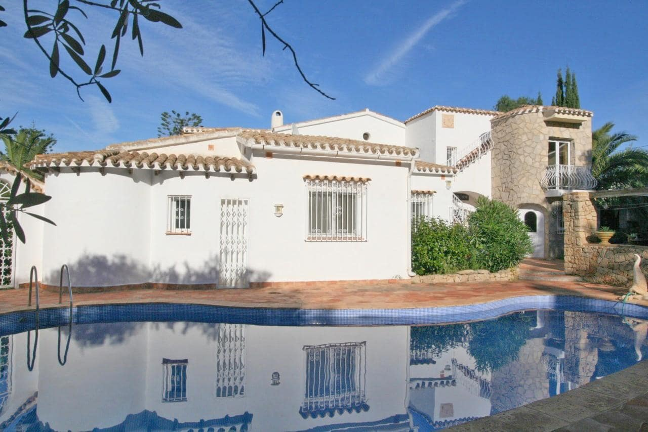 4 Bedroom Villa in Denia