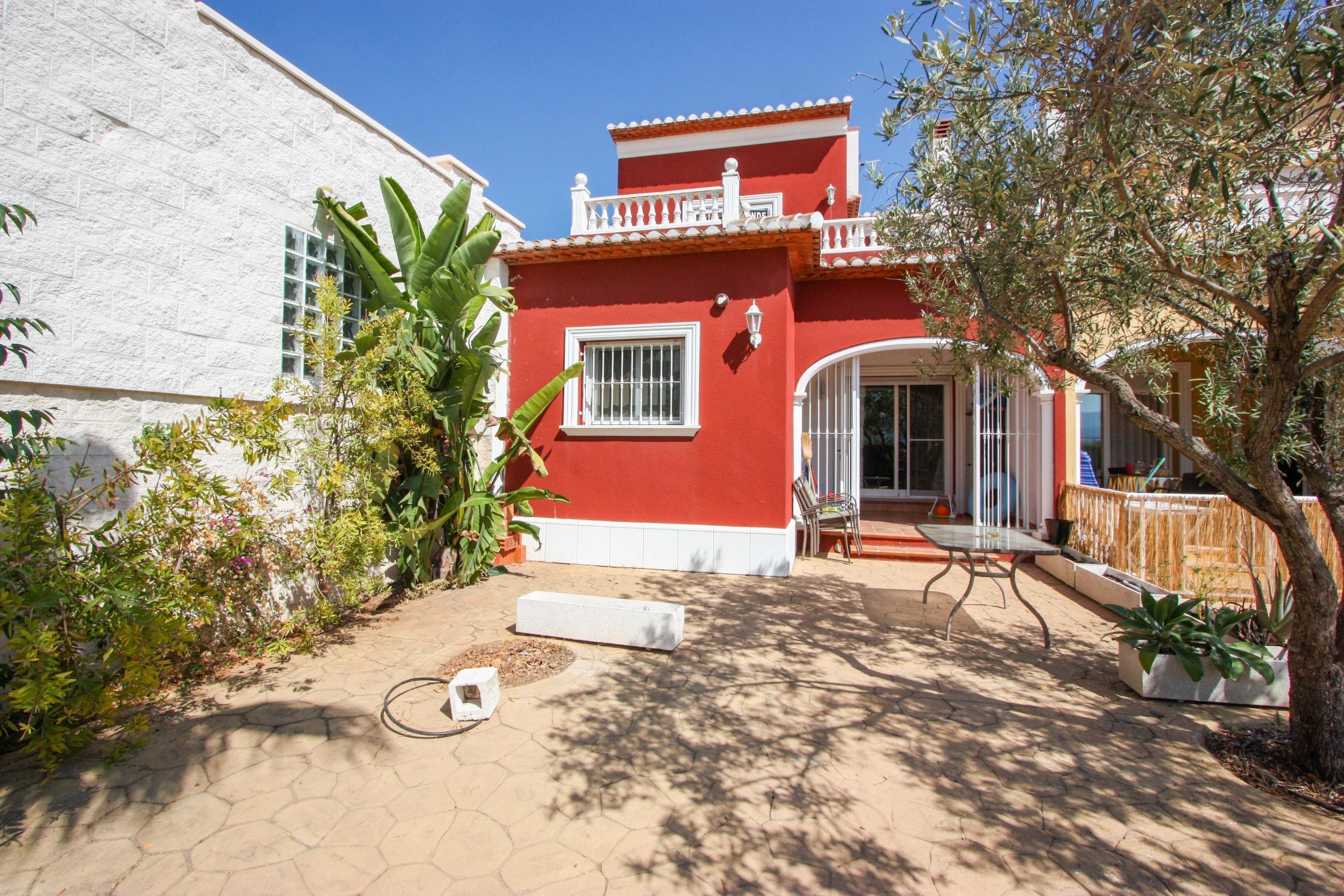 3 Bedroom Town house in Pego