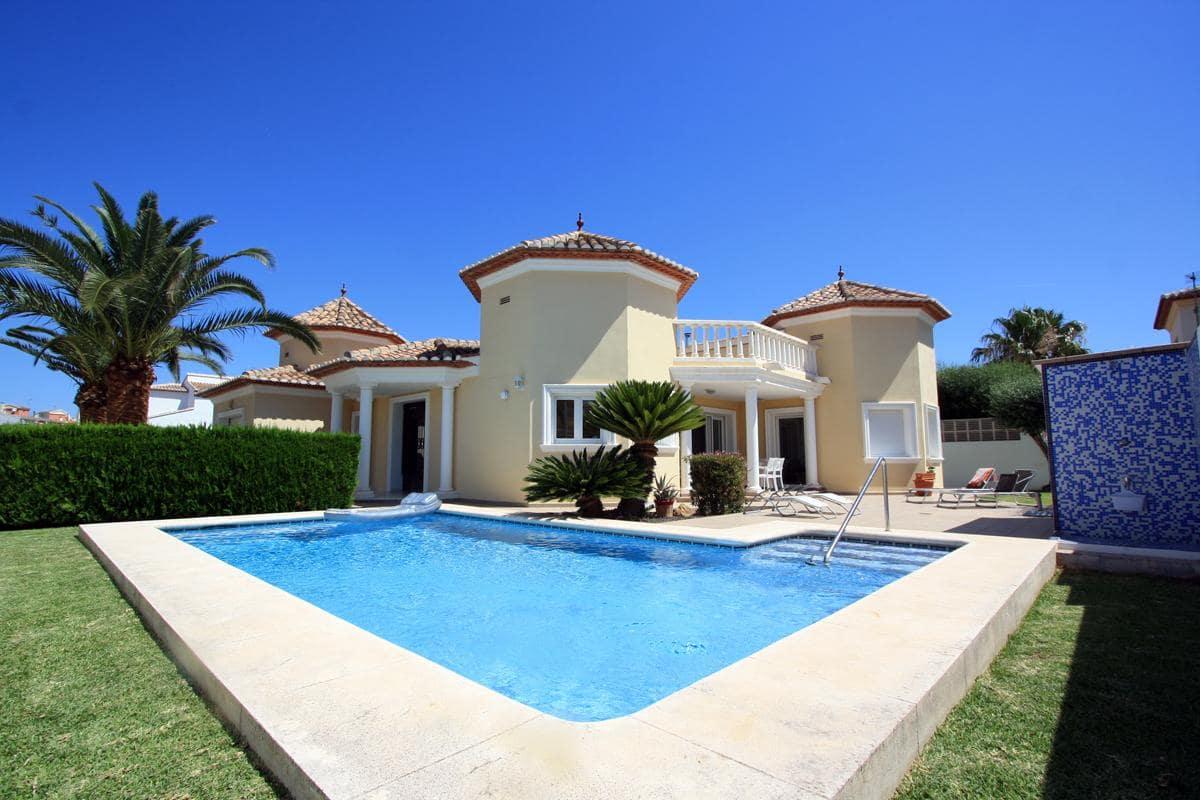 3 Bedroom Villa in Ondara