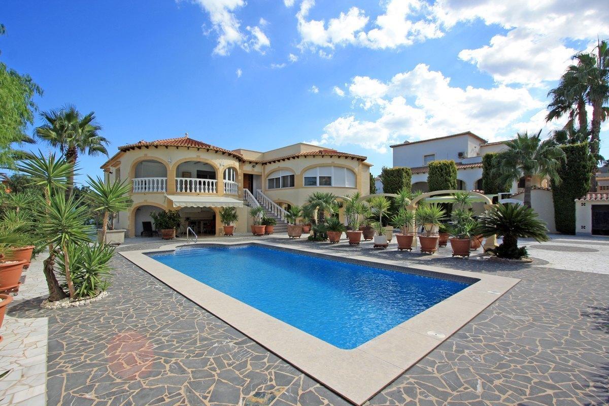 5 Bedroom Villa in Denia