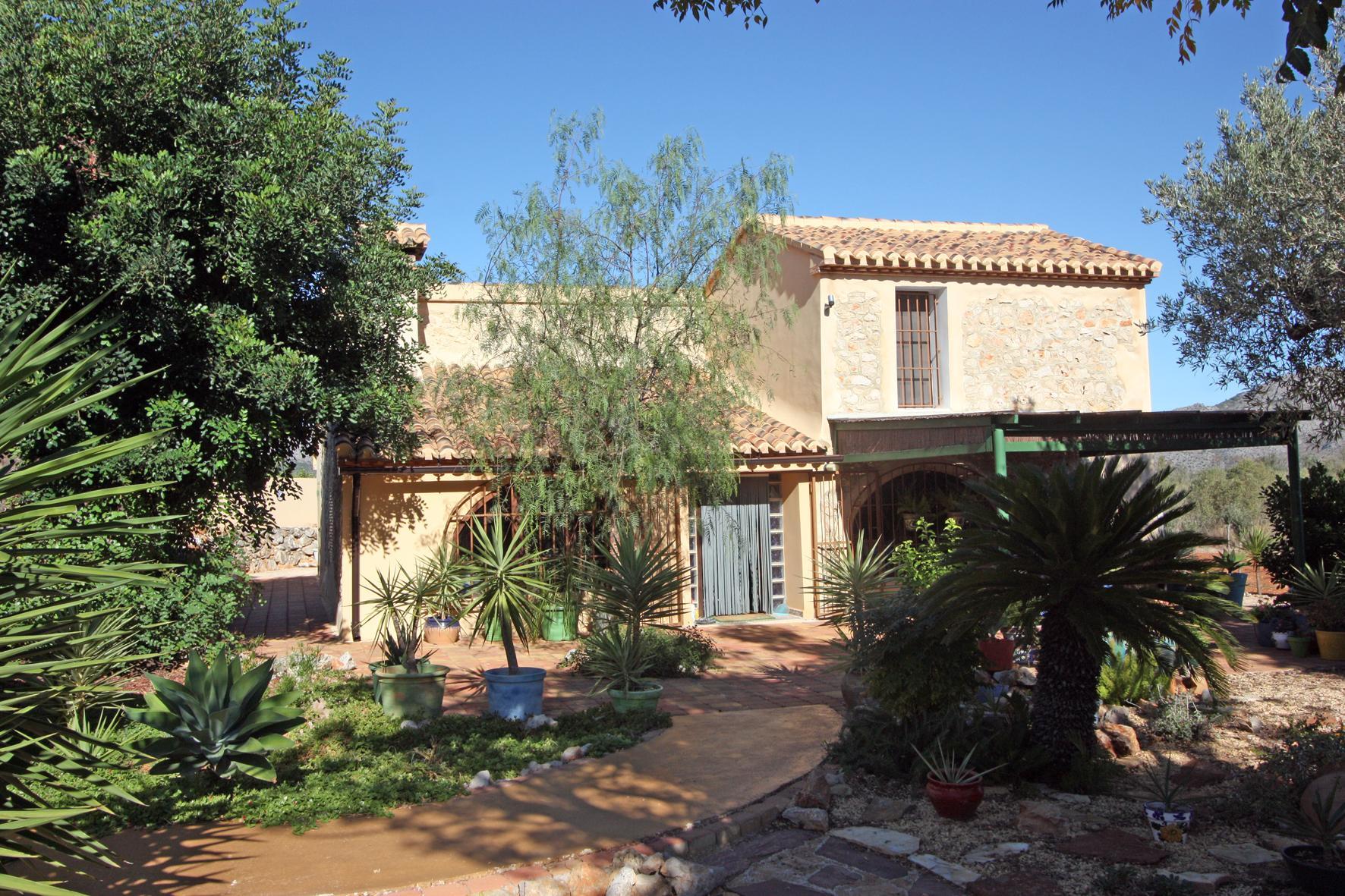 3 Bedroom Finca / Country House in Pedreguer