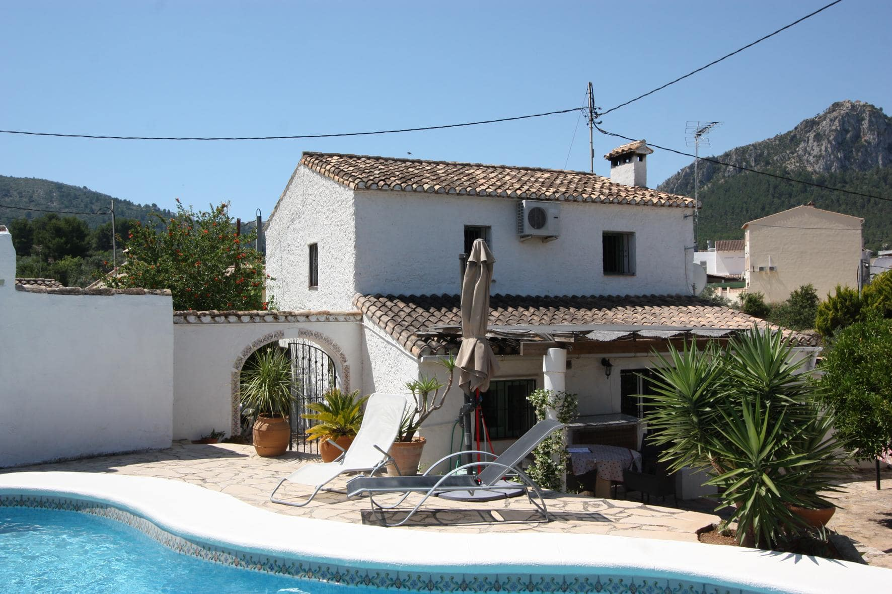 4 Bedroom Finca / Country House in Orba