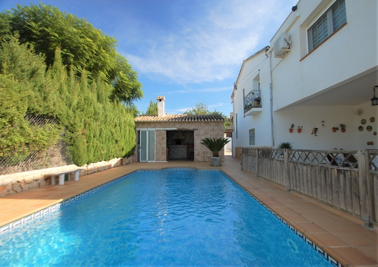 8 Bedroom Villa in Denia